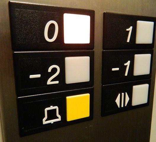 Clausulas abusivas mantenimiento ascensores
